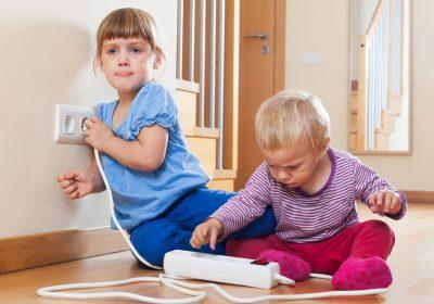 Çocukları evde bekleyen tehlikeler